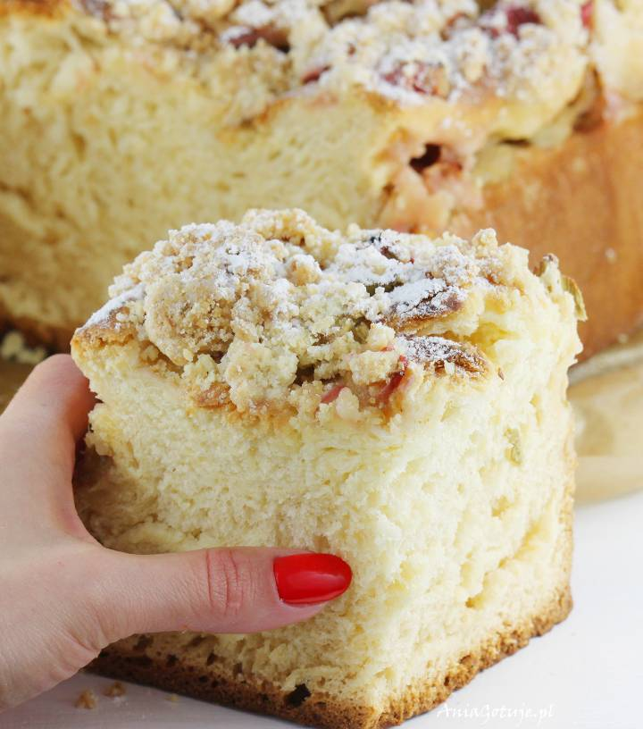 Ciasto drożdżowe z rabarbarem i kruszonką, 1