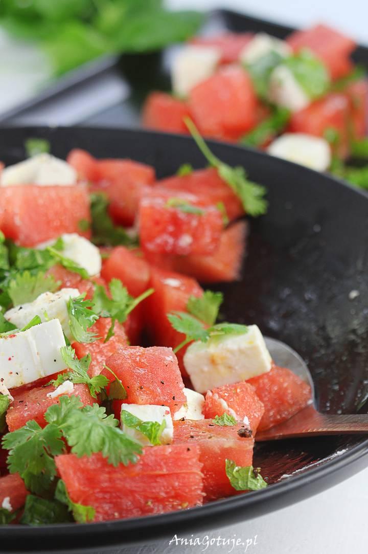 Sałatka z fetą i arbuzem, 1