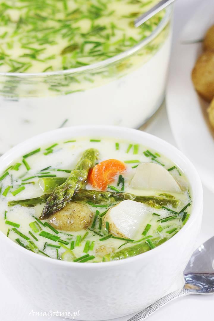 Zupa szparagowa z młodymi ziemniakami , 1
