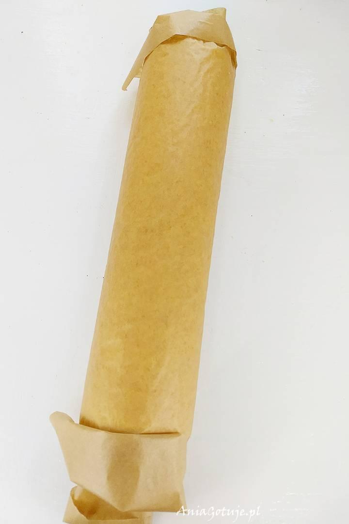 Rolada biszkoptowa z truskawkami i bitą śmietaną , 4