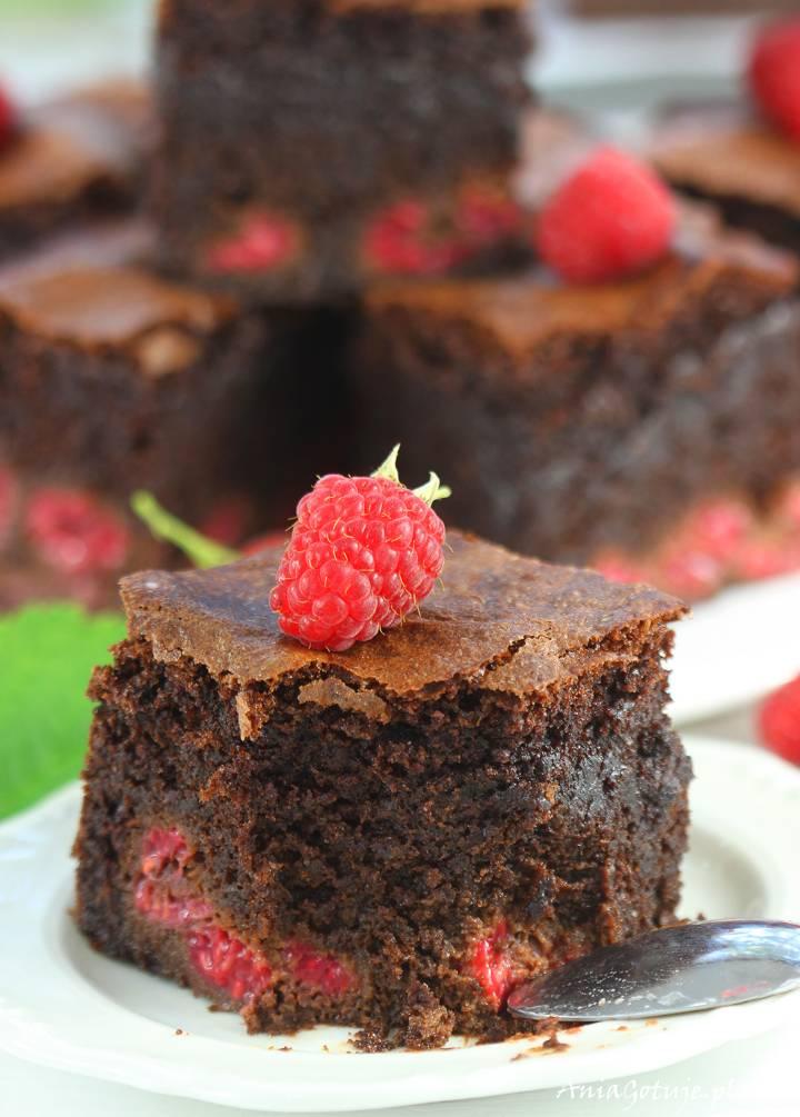 Brownie z malinami, 12