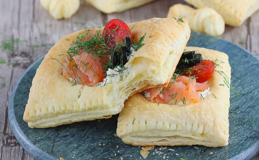 Ciastka francuskie z łososiem i kremowym serkiem