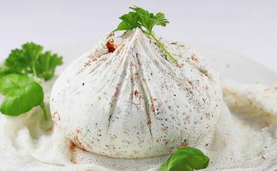 Labneh. Ser z jogurtów greckich